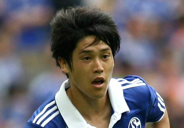 Atsuto Uchida Perbaharui Kontrak Di Schalke