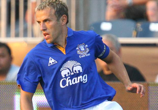 Howard: Phil Neville a true leader for Everton