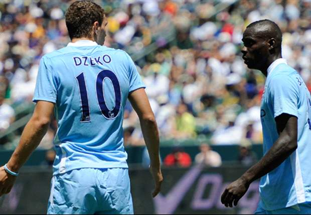 Balotelli must follow Dzeko's example & prove he can be trusted by Manchester City