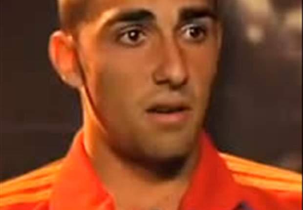Valencia Pertahankan Paco Alcacer