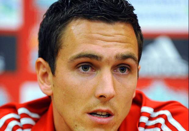 Liverpool's Stewart Downing backs Andy Carroll to get more goals after strike against Everton