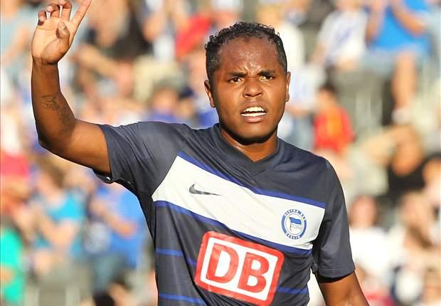 Unentschieden zwischen Kaiserslautern und Hertha, Paderborn siegt deutlich