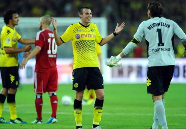 Borussia Dortmund's Kevin Grosskreutz taunts Schalke: the Blues aren't title material