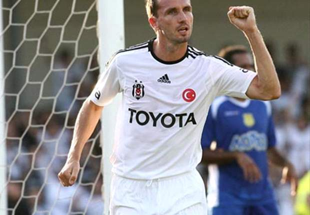 Sivok signs new Besiktas deal