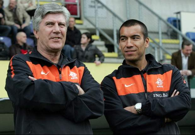 Van Bronckhorst refuses offer to be Van Gaal's Netherlands assistant
