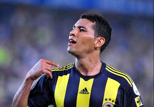 Arsenal agree £6.2m fee for Fenerbahce left back Andre Santos – report