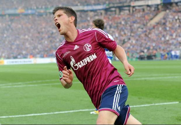 Bundesliga round-up: Schalke thrashes Koln, Hertha Berlin snatches late draw against Hamburg