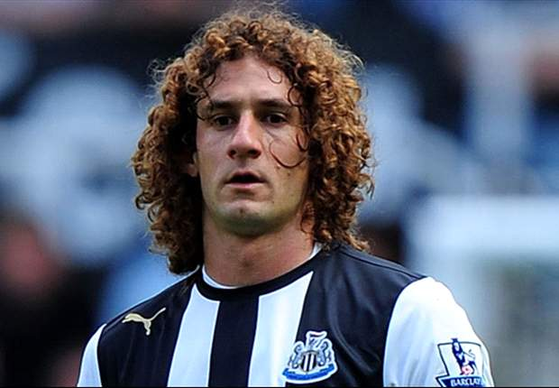 Jonas Gutierrez urges Fabricio Coloccini to stay at Newcastle United