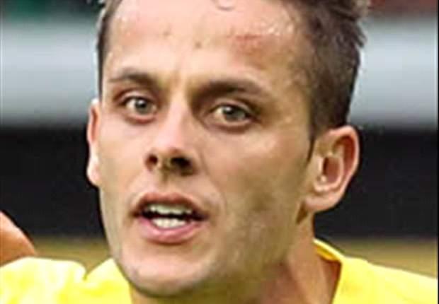 Deportivo de la Coruña, Rayo Vallecano y Celta de Vigo se interesan en Javier Camuñas