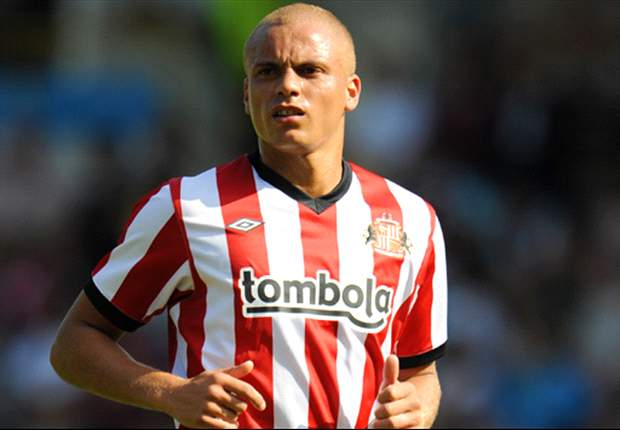 Wes Brown suffers possible knee ligament damage in Sunderland friendly