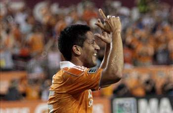 Ching holds off on retiring, will return for another year with Houston Dynamo