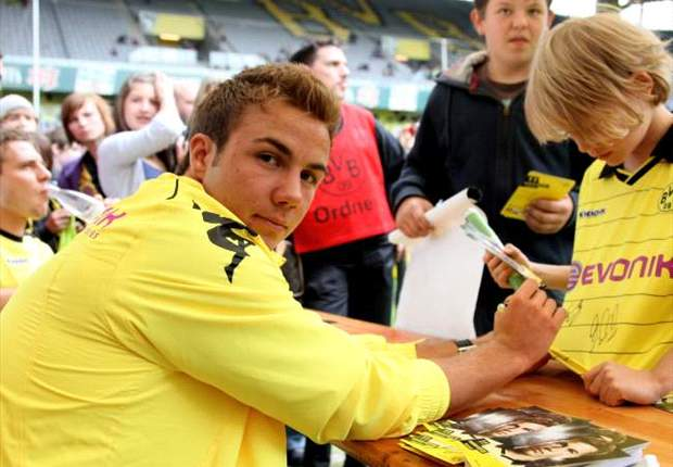 Borussia Dortmund will not sell Mario Gotze to Bayern Munich & will only consider offers from abroad next summer - report