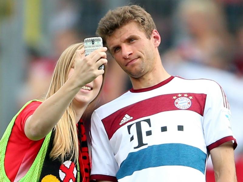 Transfer Talk: Man Utd prepare €170m Muller package