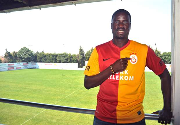 Galatasaray confirm signing of Emmanuel Eboue from Arsenal on a four-year contract