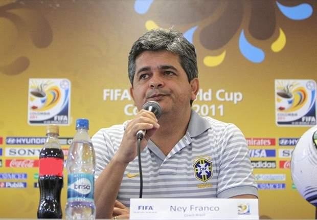 Ney Franco fala sobre formação de defensores nas seleções de base