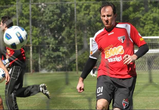 Rogério Ceni volta neste domingo em partida contra o Flamengo