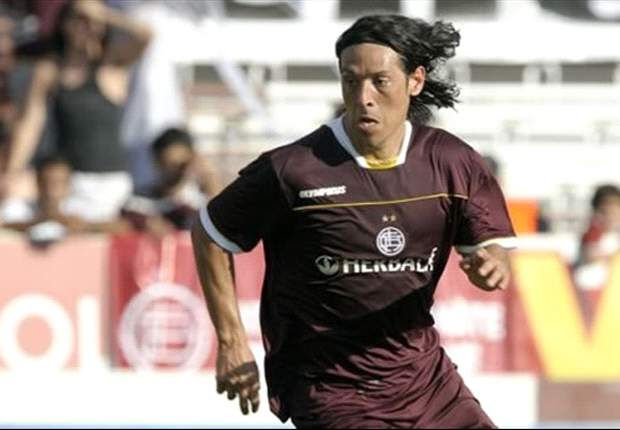 Racing Club's Patricio Toranzo: Mauro Camoranesi needs therapy