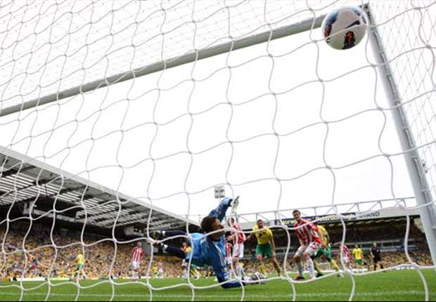 Norwich City 1-1 Stoke City: Last-gasp Kenwyne Jones equaliser denies 10-man hosts first win since promotion