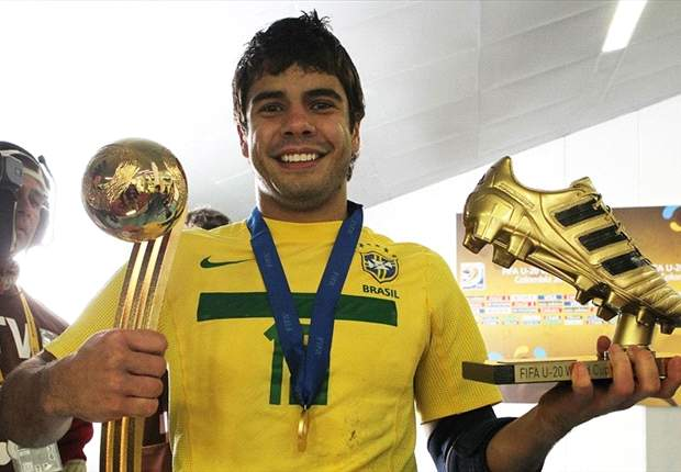 Sao Paulo vice-president Joao Lopes: Henrique can still join QPR