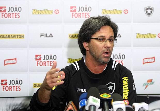 Caio Jr. pede postura de vencedor para o Botafogo