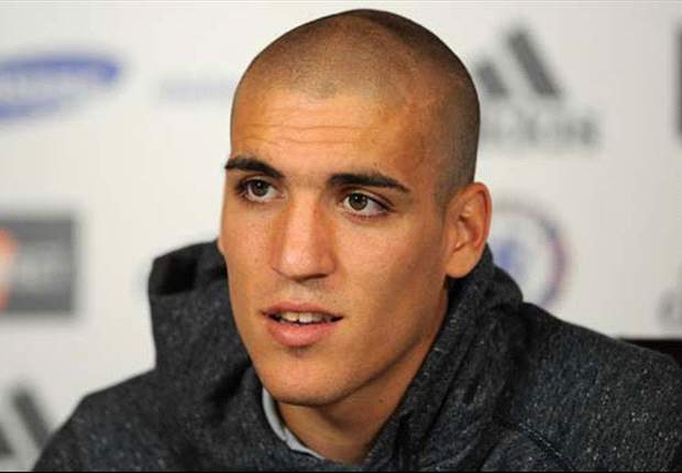 Coyle denies move for Chelsea midfielder Romeu