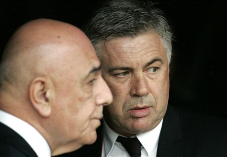 Ancelotti '50-50' on AC Milan return