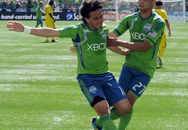 Seattle Sounders FC 6-2 Columbus Crew: Sounders obliterate Crew on the back of Neagle hat-trick
