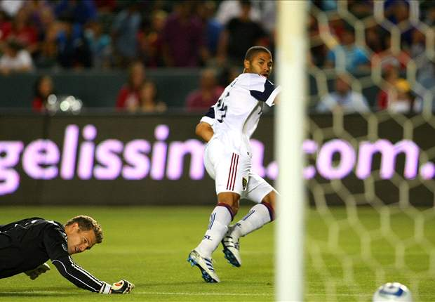 Chivas USA 0-1 Real Salt Lake: Alvaro Saborio's early goal holds up for 10-man RSL