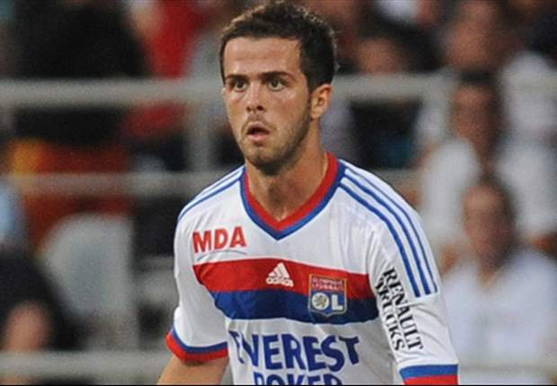 Official: Lyon's Miralem Pjanic to join Roma