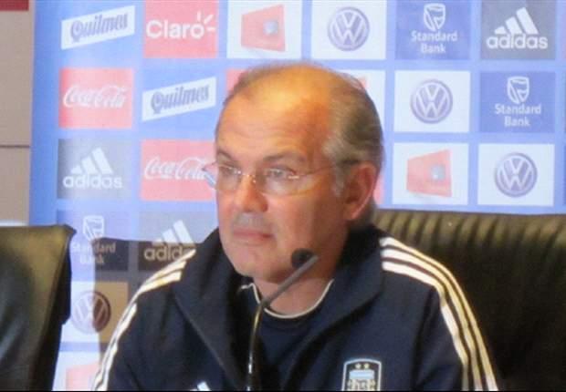 Sabella está em dúvida entre Higuain ou Aguero para clássico diante do Brasil