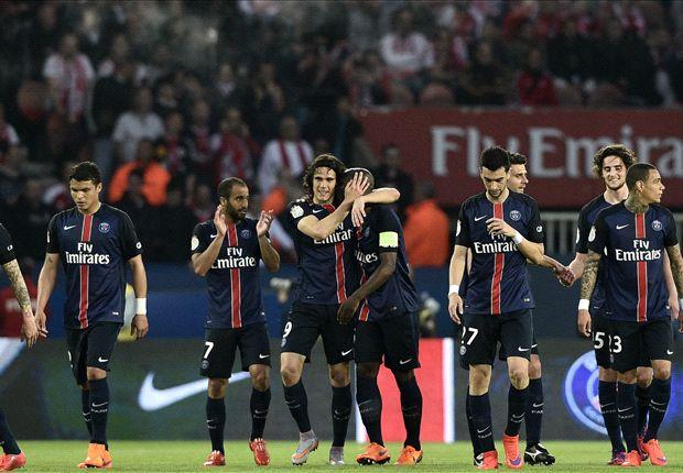 Paris Saint-Germain 3-2 Reims: Cavani double fires champions to victory