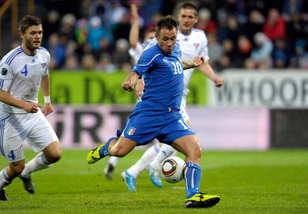 Faroe Islands 0-1 Italy: Early Antonio Cassano strike sends labored Azzurri to verge of Euro 2012