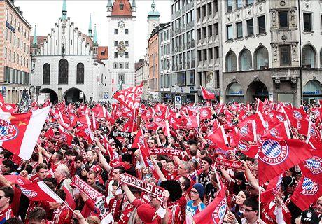 LIVE: Titel-Party - der Marienplatz bebt