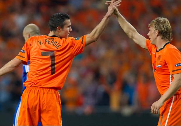 Kuyt: Van Persie told me he wants to play for Fenerbahce one day