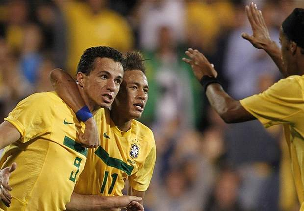 Brazil's Leandro Damiao bets on Neymar to repeat his trickery against Argentina
