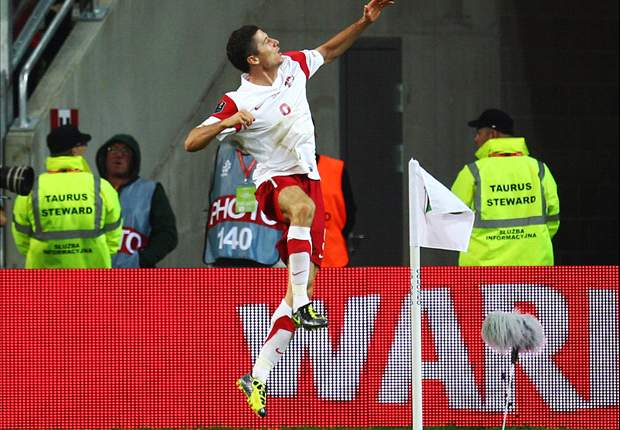 Belarus 0-2 Poland: Euro 2012 co-hosts secure confident away victory