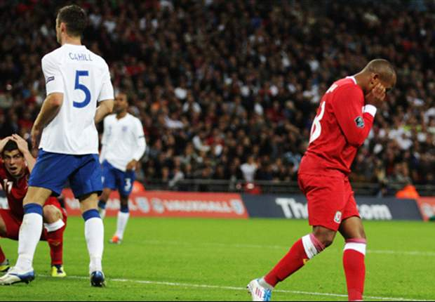 Wales striker Rob Earnshaw admits he was 'p***** off' after horror miss against England