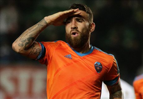 Valencia put £35m pricetag on Otamendi