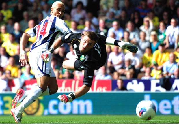 Norwich City 0-1 West Brom: Peter Odemwingie scores & misses penalty as Baggies claim first Premier League win of the season