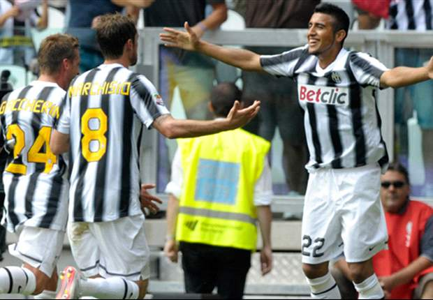 Claudio Marchisio or Arturo Vidal - Who should start in Juventus' midfield?
