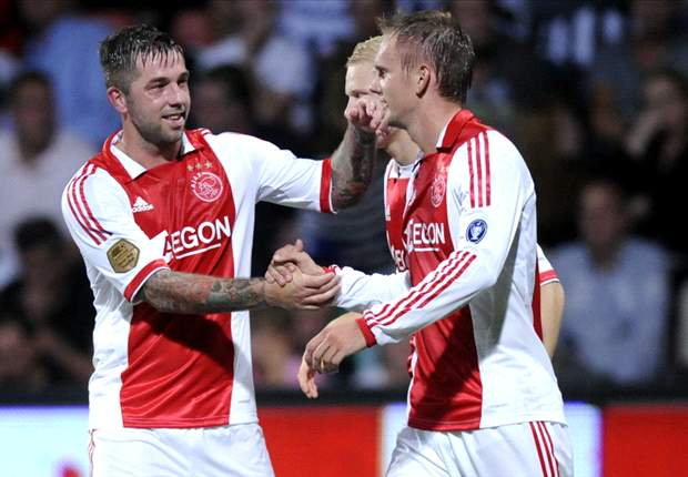 Ajax's Siem de Jong and Theo Janssen ruled out for several weeks