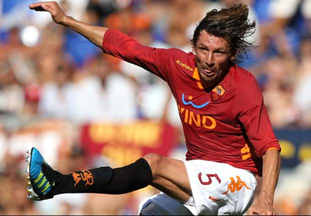 Roma's Gabriel Heinze: Simply winning against Lazio will not save our season