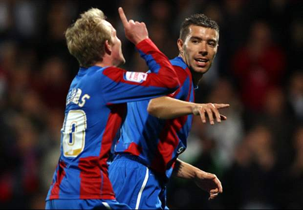 Crystal Palace 2-1 Wigan Athletic: Darren Ambrose and Jon Williams goals see Championship side into League Cup third round