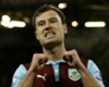Burnley Tambah Durasi Kontrak Ashley Barnes