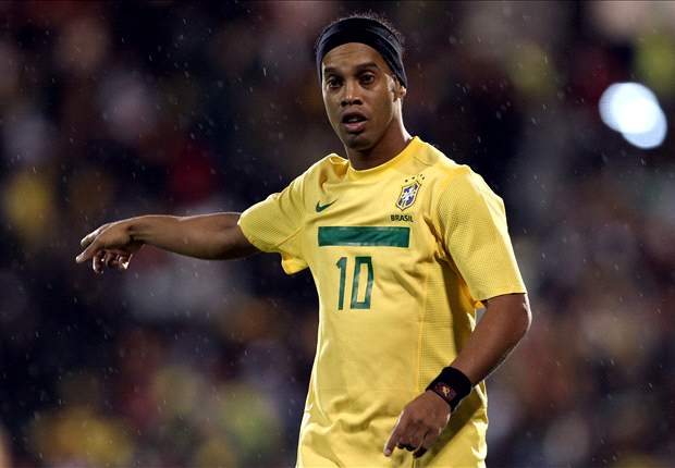 Scolari turns to legendary veteran Ronaldinho as he begins plans for World Cup glory