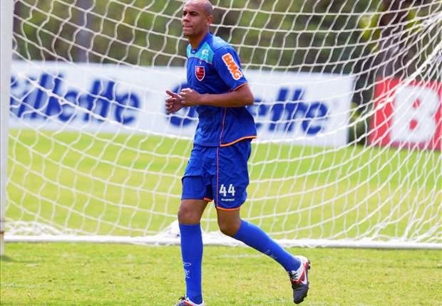 Alex Silva se lesiona e não joga mais em 2012