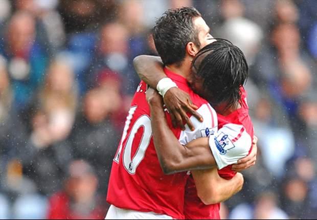 Gervinho urges Arsenal not to sell Robin van Persie