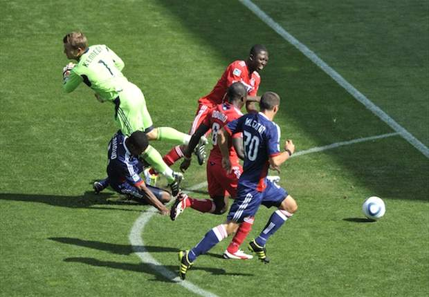 Chicago Fire 3-2 Chivas USA: Dominic Oduro wins it late for 10-man Chicago