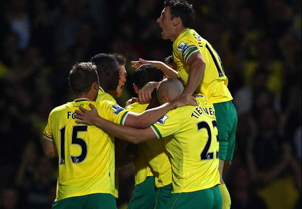 Norwich City 2-1 Sunderland: Leon Barnett & Steve Morison send Paul Lambert's side ninth as pressure mounts on Steve Bruce