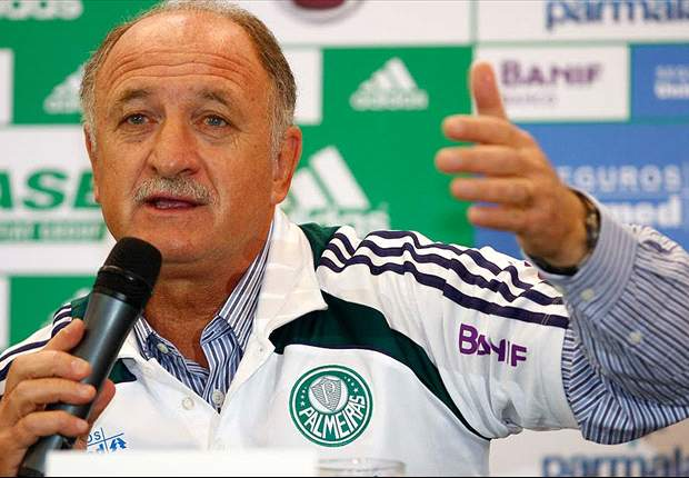 Palmeiras back Scolari despite Paulista elimination
